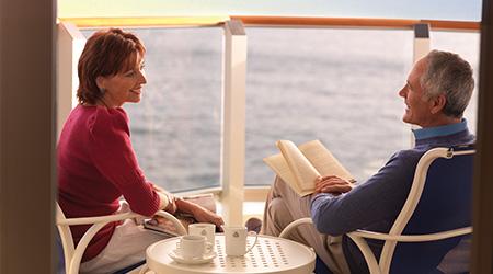 Paar auf Balkon_2.jpg
